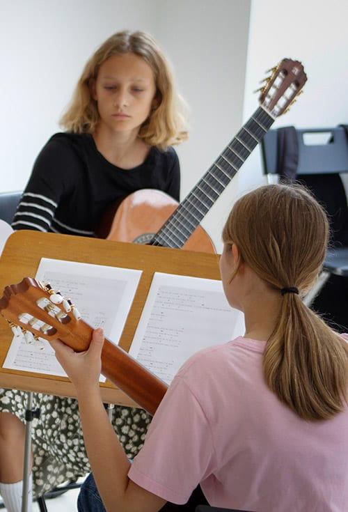 Guitarundervisning af børn og voksne